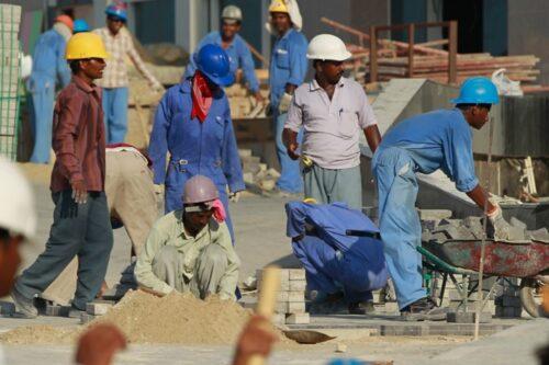 Qatar: stop allo sfruttamento dei lavoratori migranti!